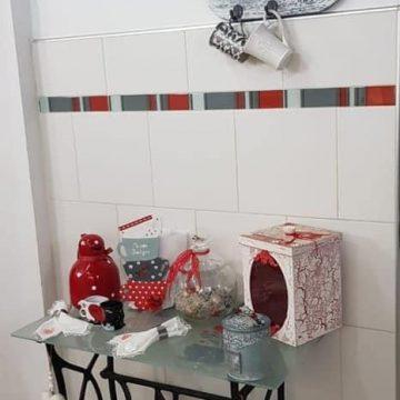 Arte Mix Media - Adornos en mesa reciclada